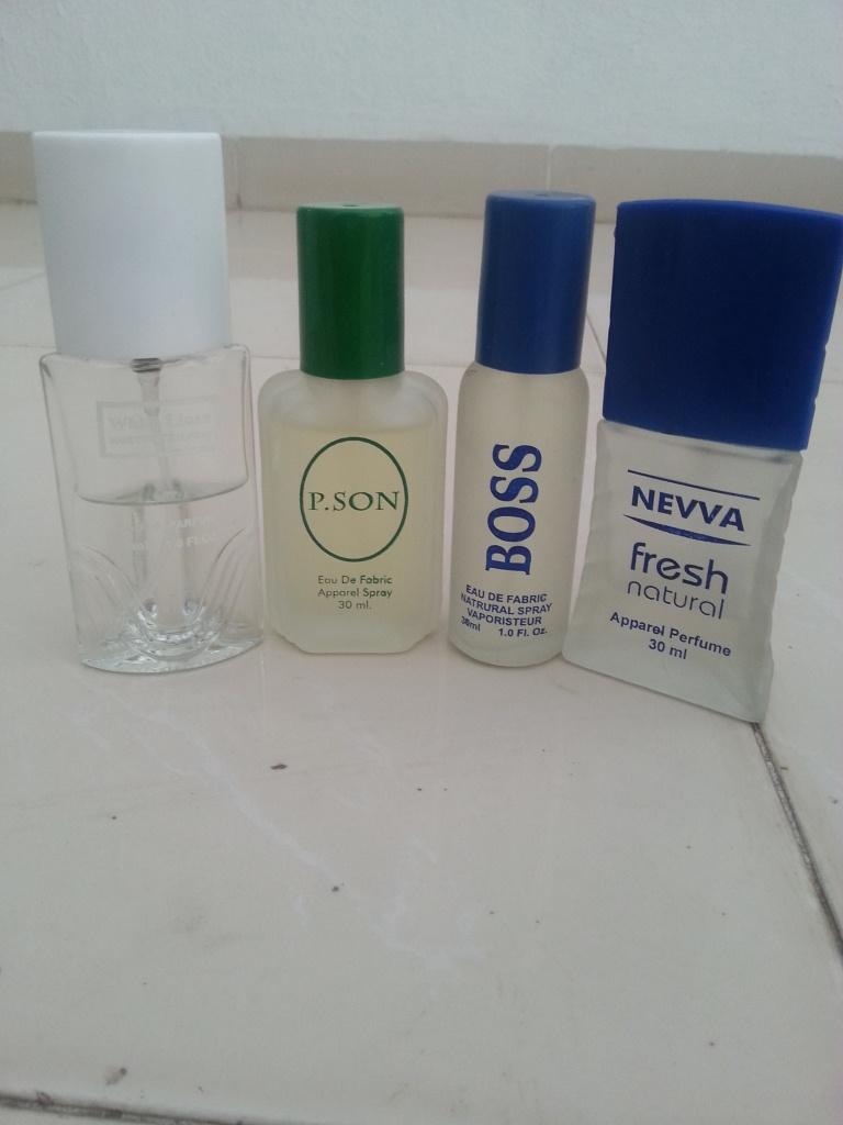 4 Sets of Perfumes.