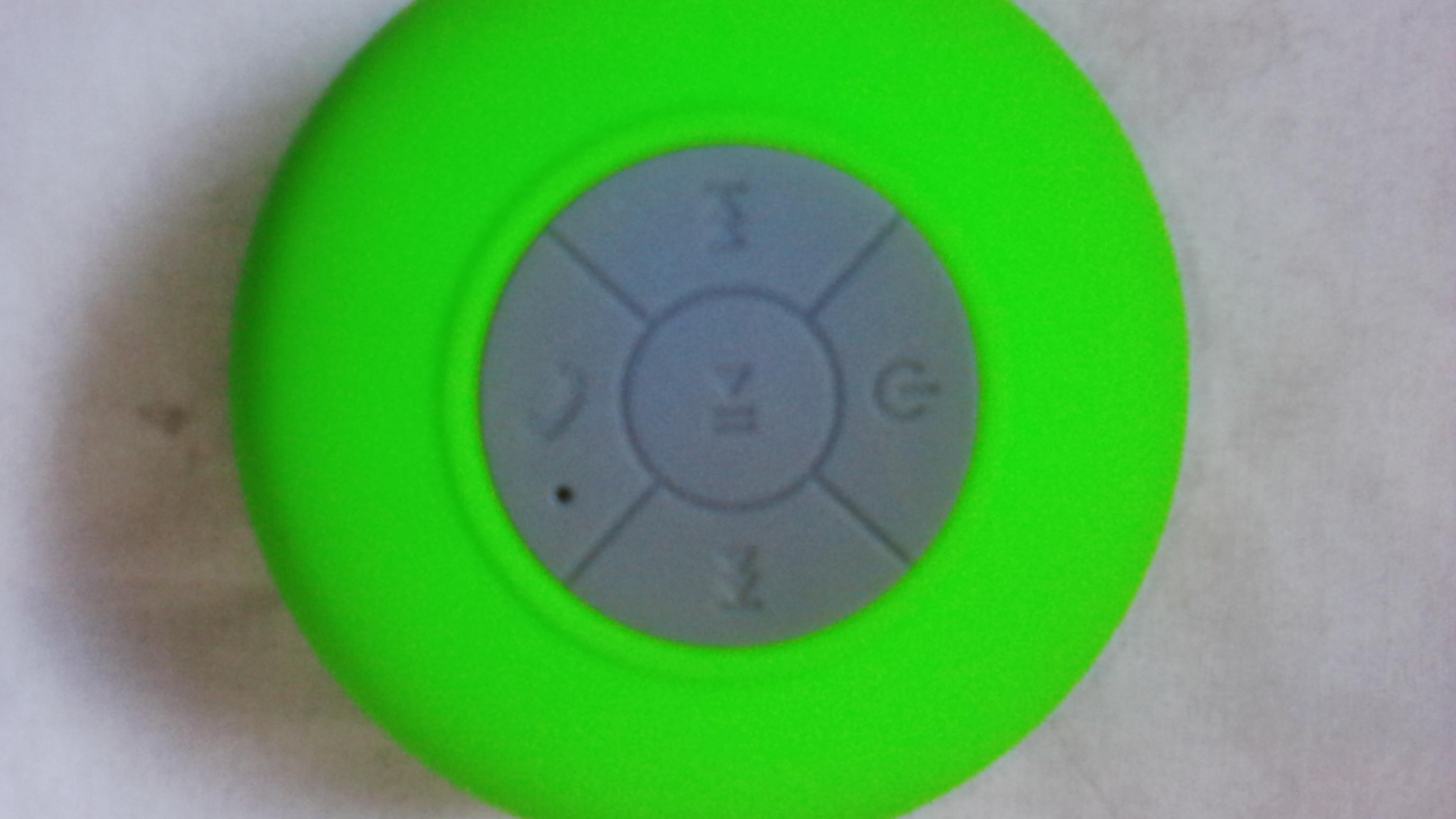 Wireless Bluetooth speaker (waterproof)